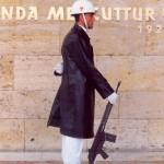 007. wacht mausoleum Ataturk