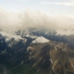 015. helicopter vliegen boven Denali