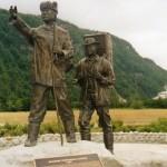 067. standbeeld 100 jaar geschiedenis